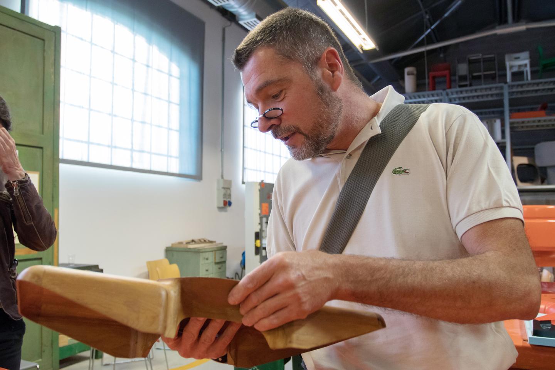 Il modellista Filippo Zagni nella ricostruzione della Bottega di Giovanni Sacchi
